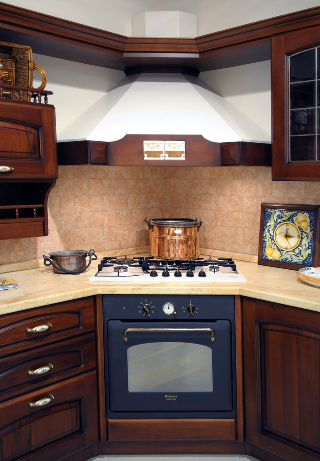 Cucina classica elena rivenditori cucine sicilia - Cucine angolo cottura ...