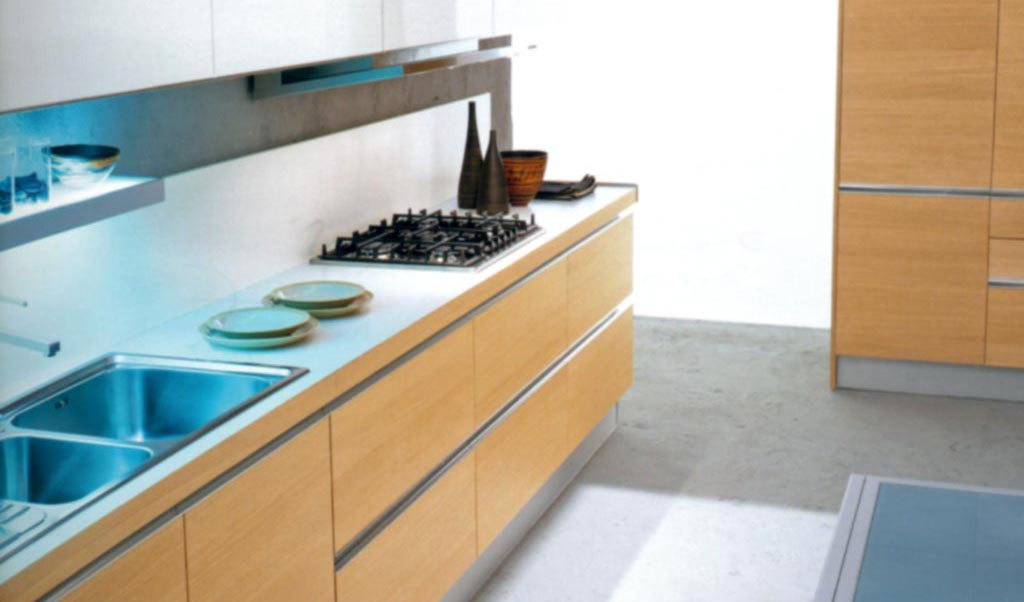 Cucina moderna mare rivenditori cucine sicilia for Rivenditori cucine