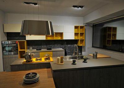 Cucina componibile moderna Global realizzata con materiali originali e ricercati