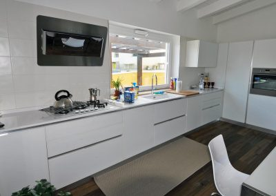 Cucina componibile moderna dallo stile semplice ed elegante