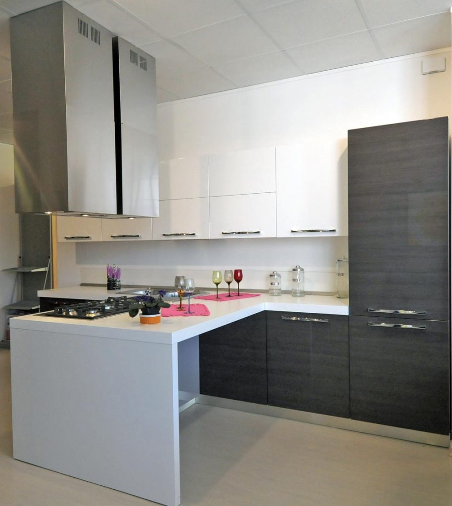 Cucine moderne rivenditori cucine sicilia - Cucine angolari ikea ...