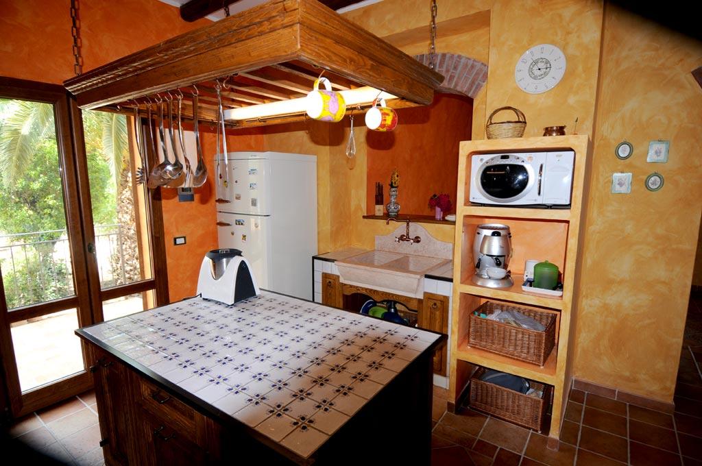 Emejing Prezzi Cucine In Muratura Rustiche Photos - Design & Ideas ...