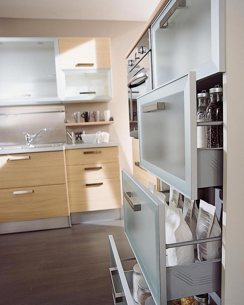 Ante Cucina In Vetro.Cucina Moderna Valentina Rivenditori Cucine Sicilia