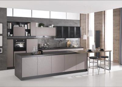 Cucina moderna Gora con penisola, pratica e funzionale, realizzata con materiali raffinati e di qualità