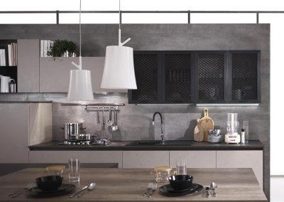 La pratica cucina moderna Gora è molto funzionale, dispone di spaziosi piani di lavoro, grandi cassettoni e mensole dove poter riporre utensili e tanto altro, per un comodo utilizzo quotidiano